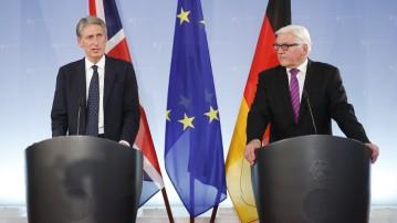 Aussenminister Grossbritanniens Philipp Hammond mit Aussenminister Dr. Steinmeier 2014