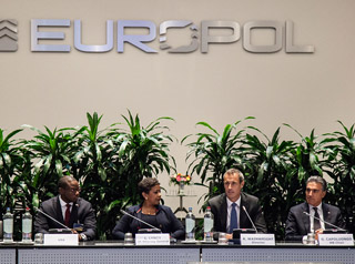 Europol Director Rob Wainwrigh and US Attorney General